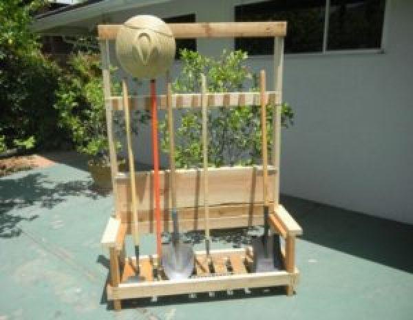 DIY Pallet Organizer