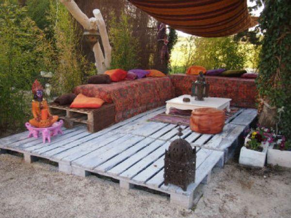 Building a wooden pallet deck