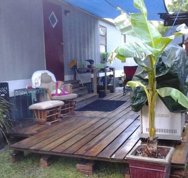 DIY Rustic pallet deck