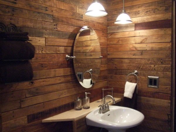 DIY Pallet Wall Bathroom