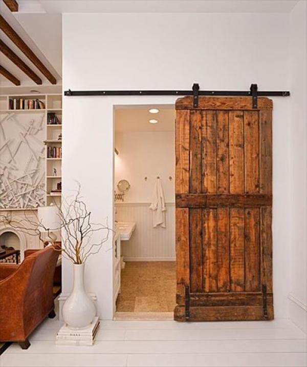 DIY Pallet Door Bathroom