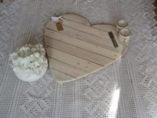 DIY Pallet Heart tray
