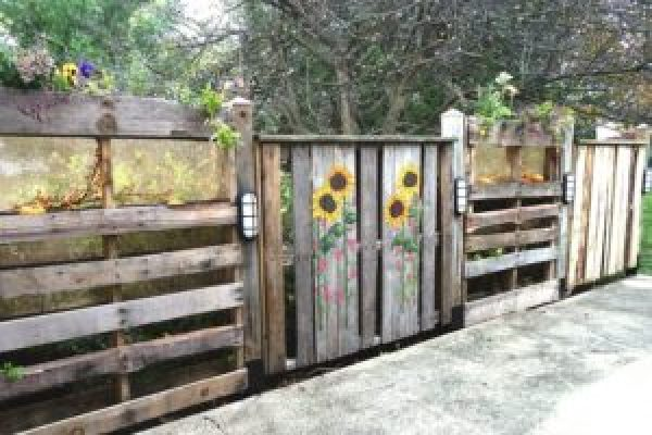 DIY Wooden Flower Fence