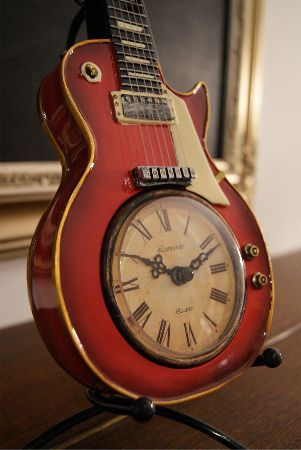 Wooden Guitar Clock