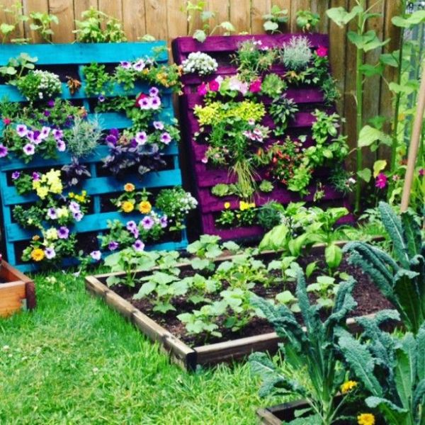 build planters from wooden pallets