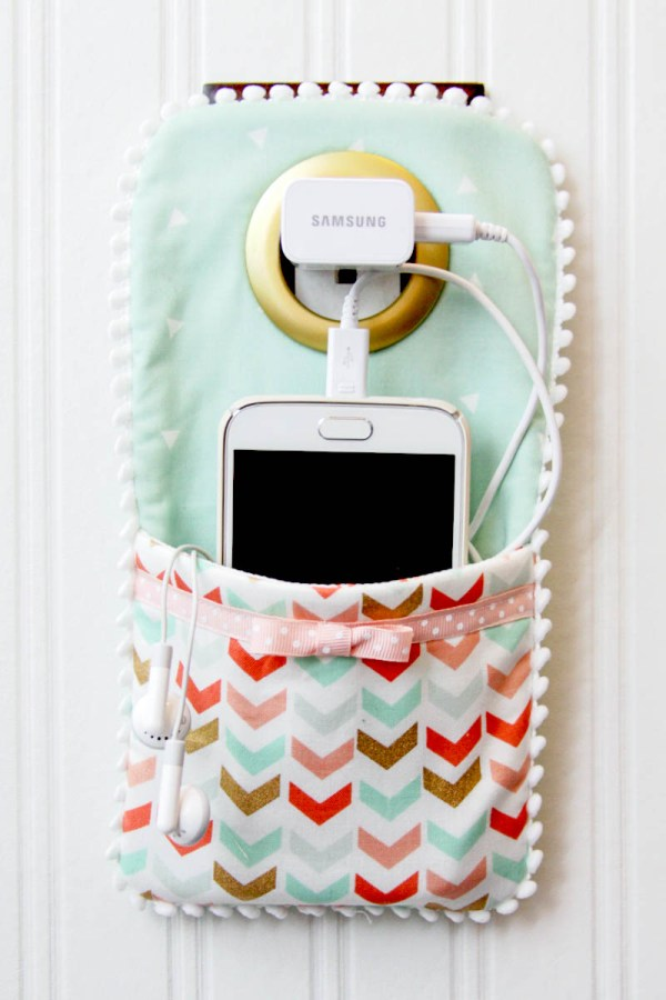 Chick Fabric Cell Holder