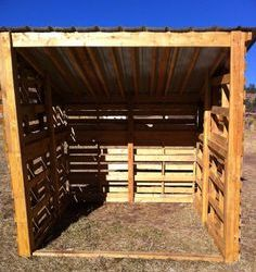 Pallet horse shelters easy diy and crafts pallet horse shelters solutioingenieria Image collections