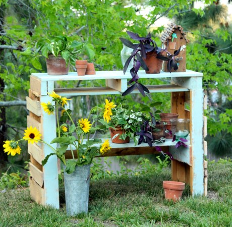 Recycled wood potting bench