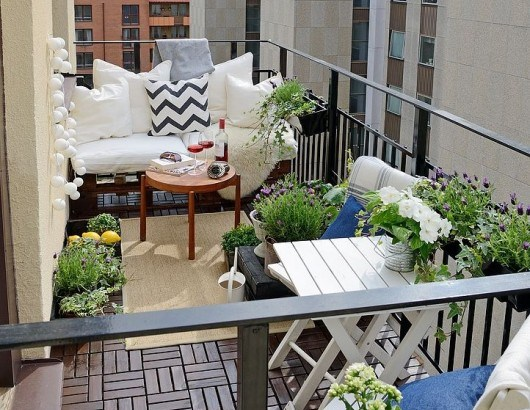 easy balcony gardening ideas