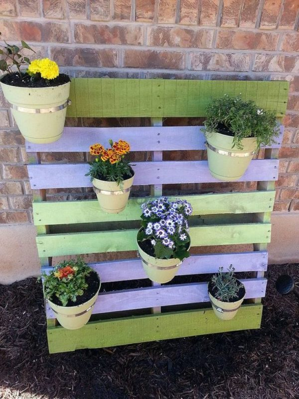 DIY pallet planter tutorial