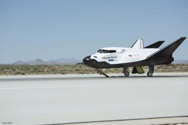 dream chaser captive flight