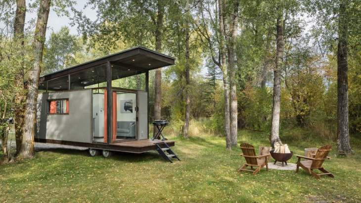 Roadhaus off-grid tiny house