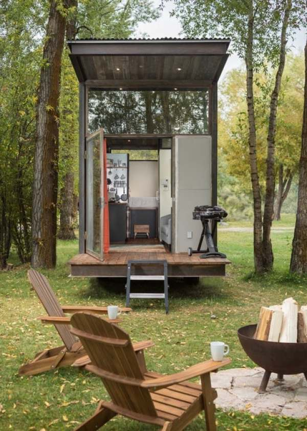 off grid living concept