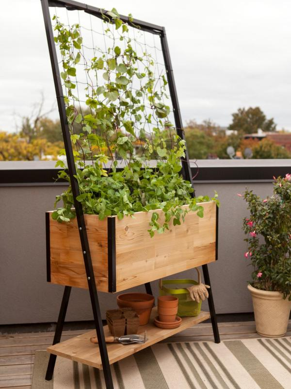 DIY mini planter trellis