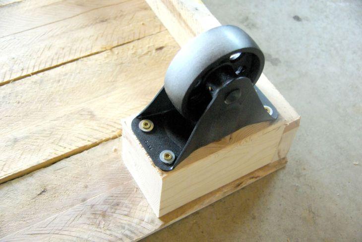 DIY Pallet Frame Bed
