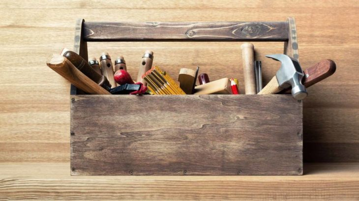 toolbox-wooden-table-diy-918x516