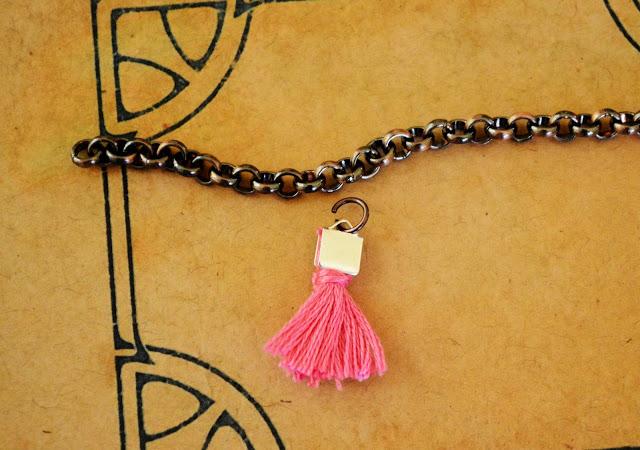 DIY Jewelry Tiny Tassel Bracelet DIY