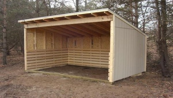 how to build pallet animal shelter