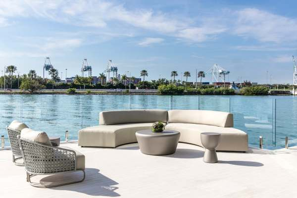 floating home deck area
