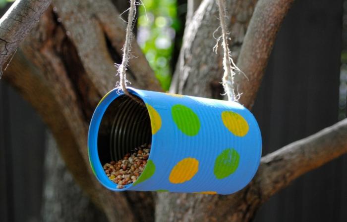 tin can diy bird feeder