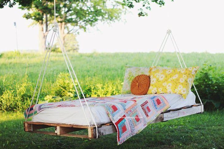 outdoor pallet bed-swing