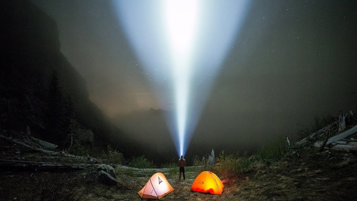 the-best-flashlight-for-camping