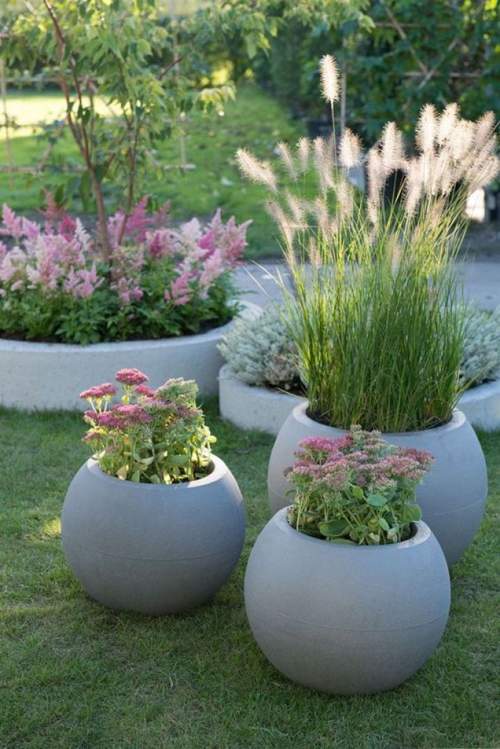 10 Best DIY ideas to decor Front Yard with Planters
