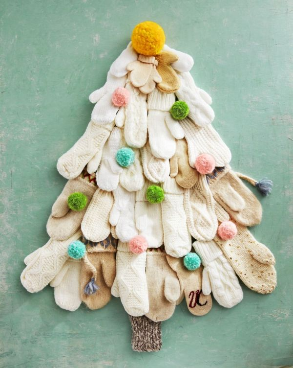 DIY Mitten Tree for Christmas Decorations