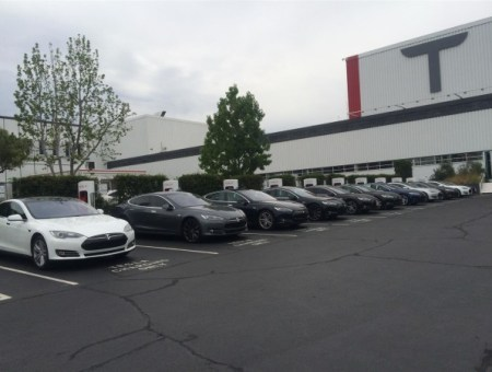 Tesla-Factory Super Charger Model S