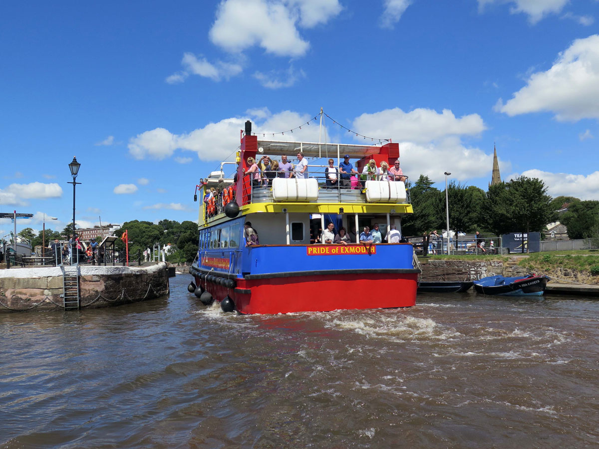 Pleasure Boat passing through the King's Arms Sluice
