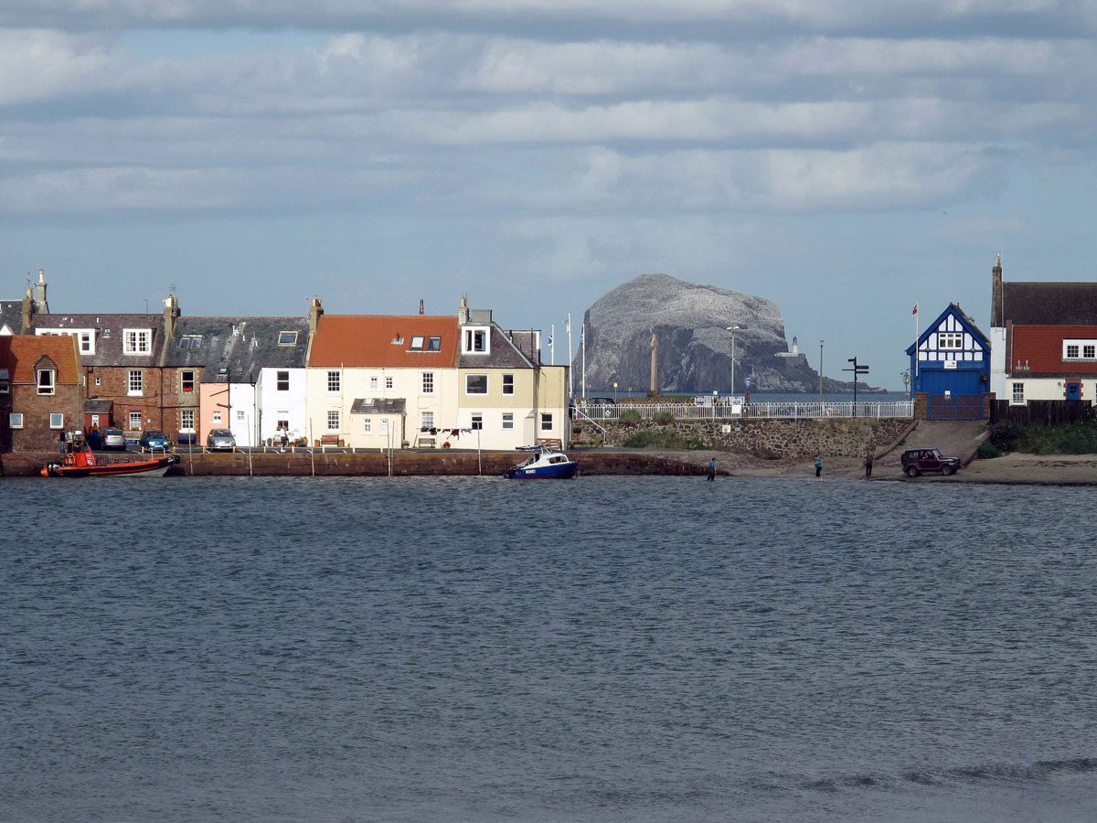 08-Bass-Rock-from-West-Bay