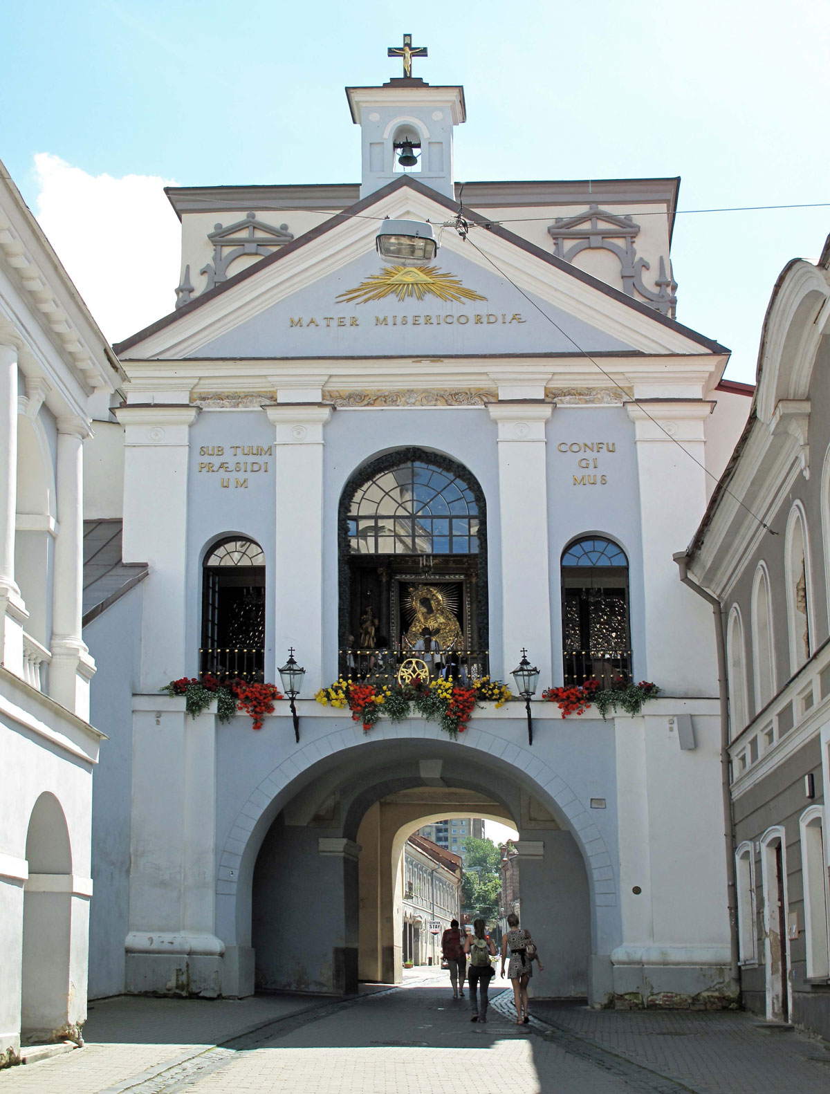 Ausros Gate with the Vilnius Madonna in the central window