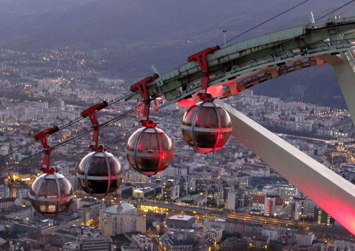 025-Going-back-down-the-Cable-Car