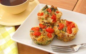 """Egg """"Muffins"""" with Quinoa and Veggies"""