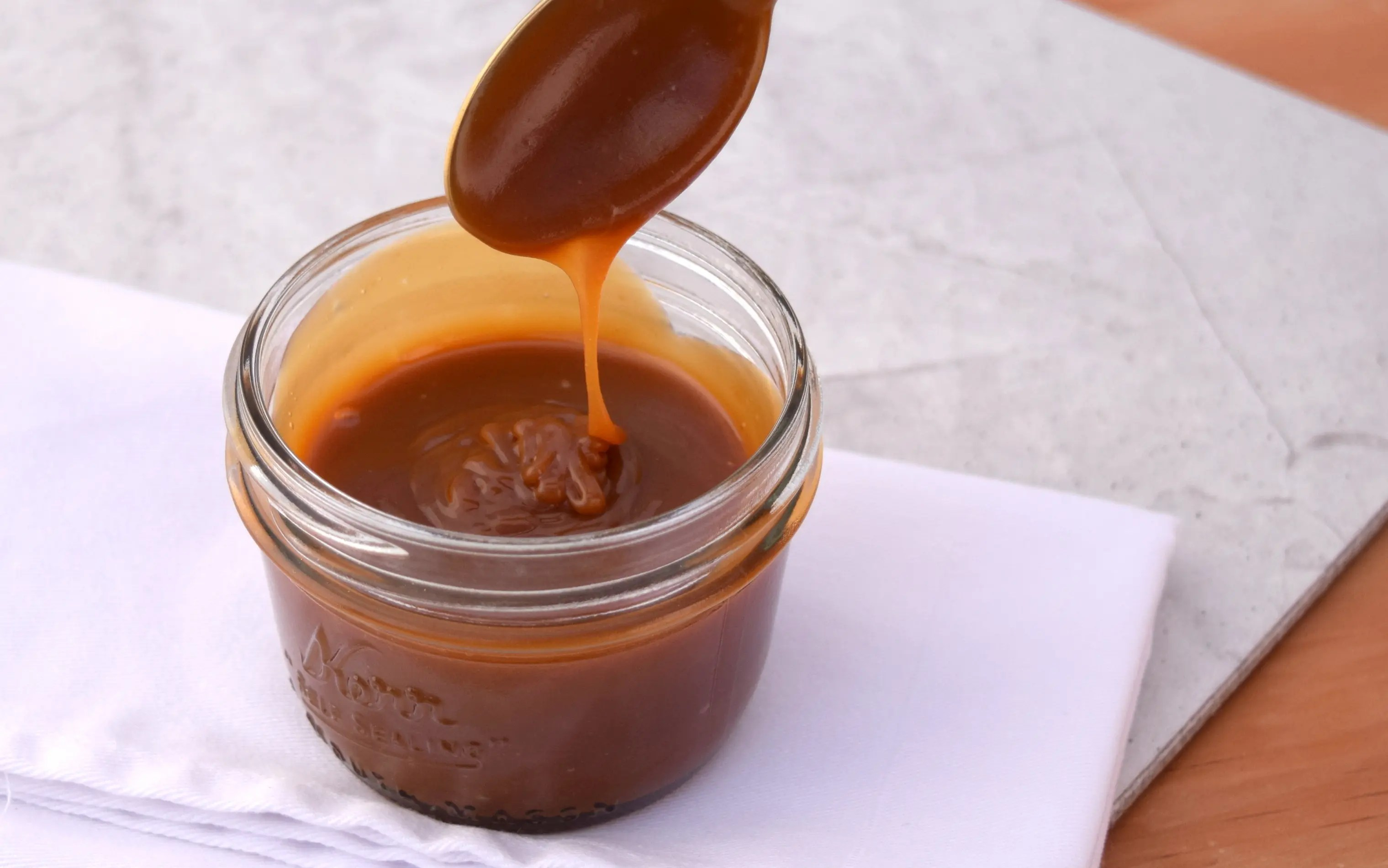 Easy Caramel Sauce – Step by Step Instructions.