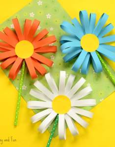 Paper flower craft also easy peasy and fun rh easypeasyandfun