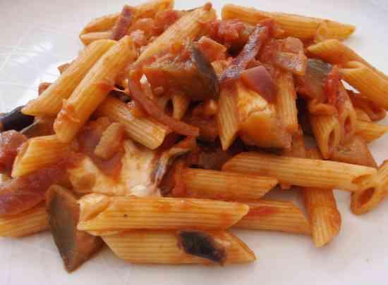 Aubergine and Mozzerella Pasta