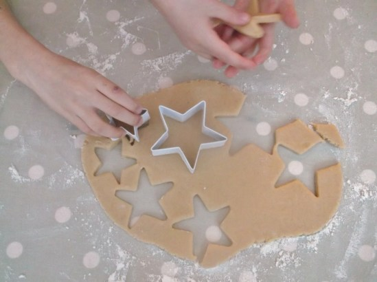 Easy Peasy Christmas Star Biscuits 7
