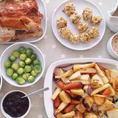 10 Ways to Make Cooking your Christmas Dinner Easy Peasy!