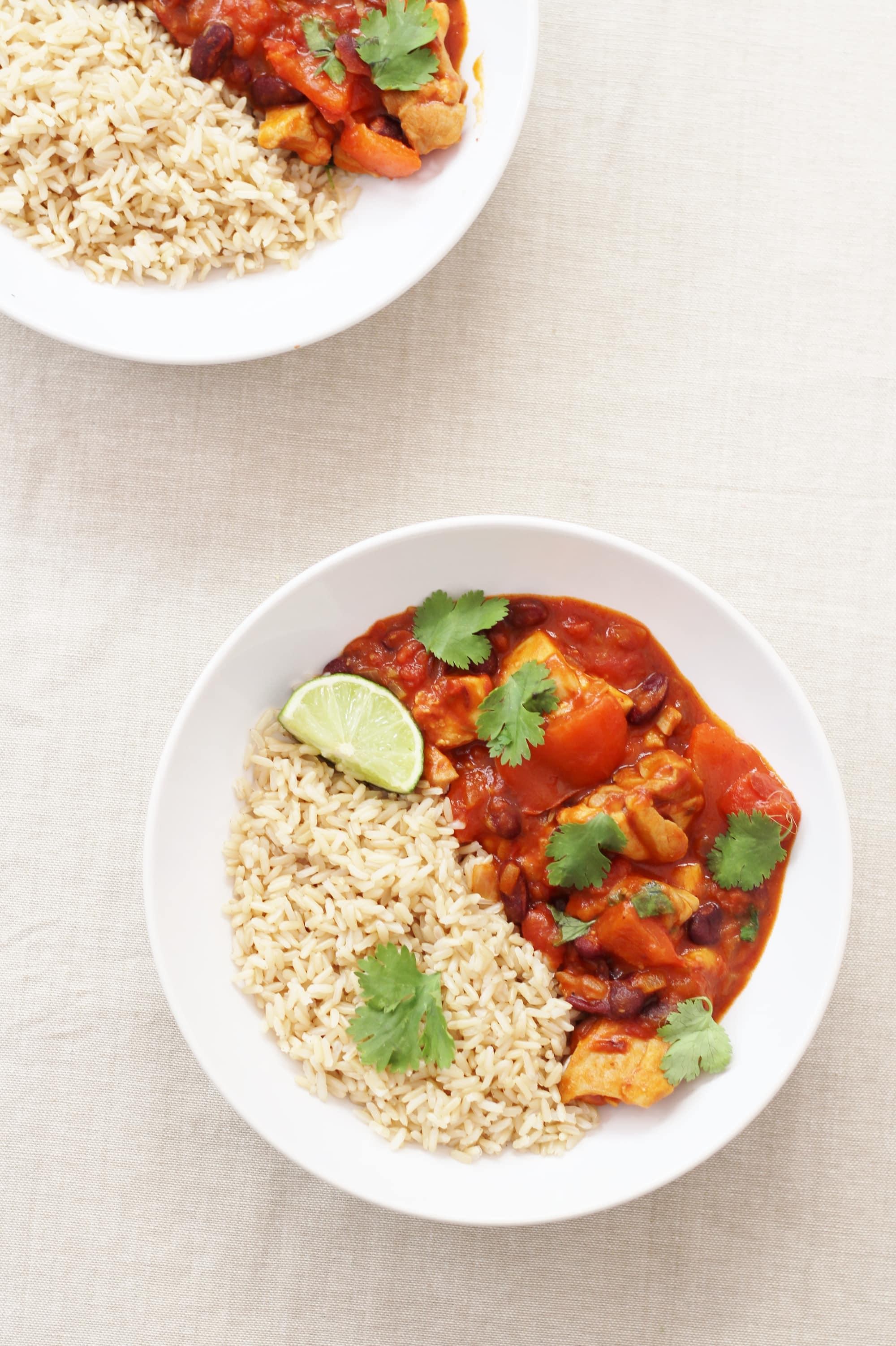 Quorn Chilli Con Carne >> Chicken Chilli Con Carne - Easy Peasy Foodie