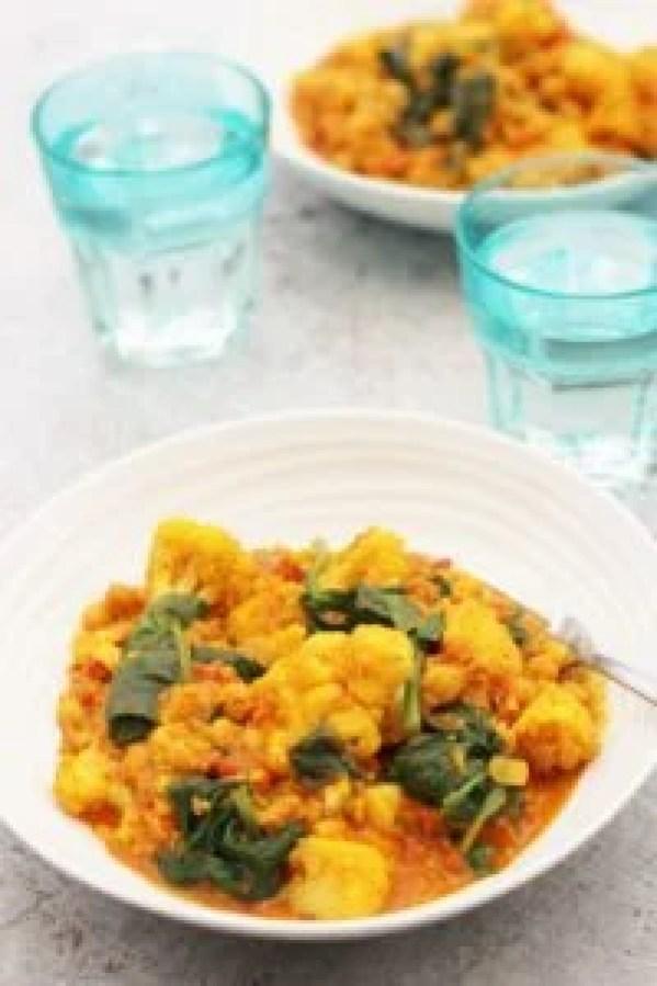 Spinach, Cauliflower, Quinoa and Chickpea Curry