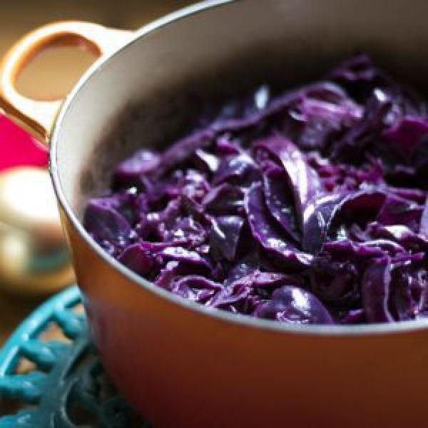 Easy Christmas Spiced Red Cabbage