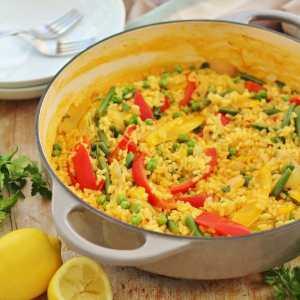 Easy One Pot Vegetable Paella (Vegan)