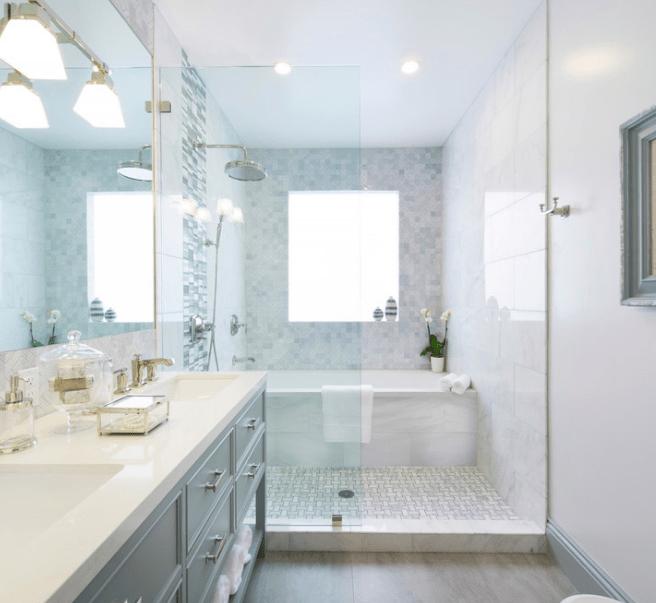 Bagno con doccia e vasca il progetto  easyrelooking
