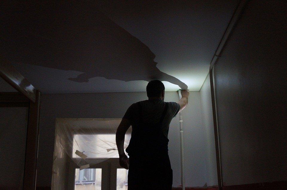 Oltre Il Soffitto Di Vetro : Crolla un soffitto di vetro al liceo buonarroti alunni illesi per