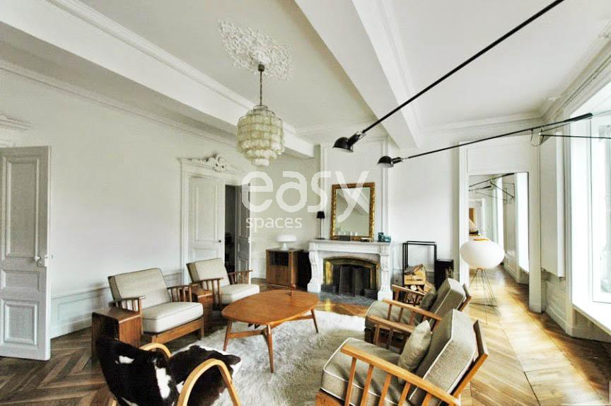 Louer un appartement de type haussmannien avec parquet et moulures pour photos et tournages Lyon