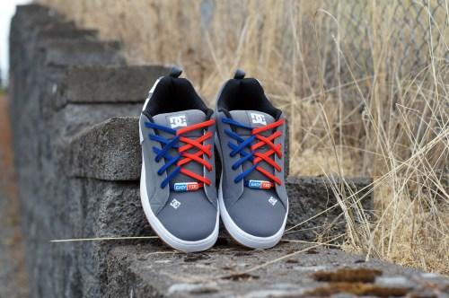 DC-Mens-Court-Graffik-Skate-Shoe-Easy-Tie-Dual-Colored-Shoelaces-Red-Blue-Criss Cross -Lacing-How-to-Lace-Your-Shoes-Method
