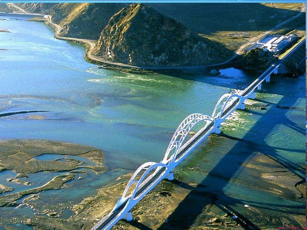 Highlights along Qinghai-Tibet Railway