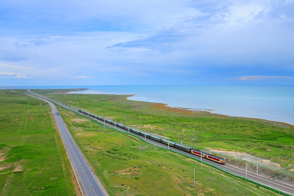 Lakes along Qinghai-Tibet Railway