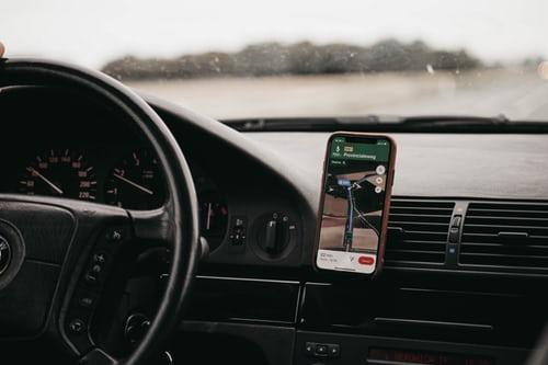 Photo of Veilig navigeren en bellen met iPhone 11 Pro houders